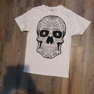 Sugar skull tshirt NWOT never been worn not once!!